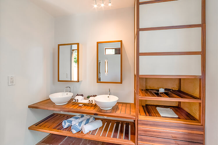 bathroom in the loft villa